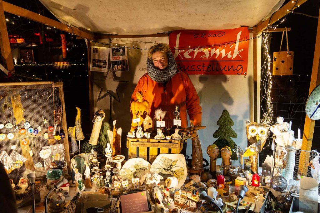 Sabine Zobel, Weihnachtsmarkt unter Eichen, Frohnsdorf
