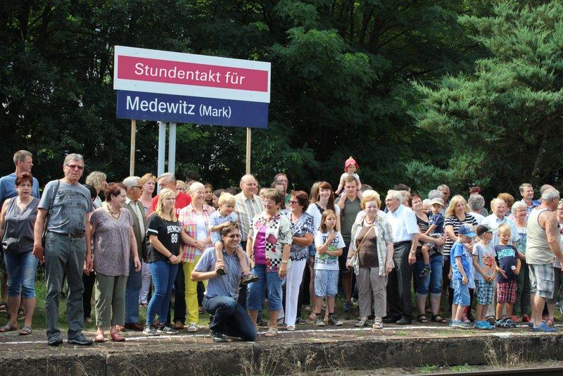 Medewitz, Heimatverein Medewitz, Stundentakt, RE7