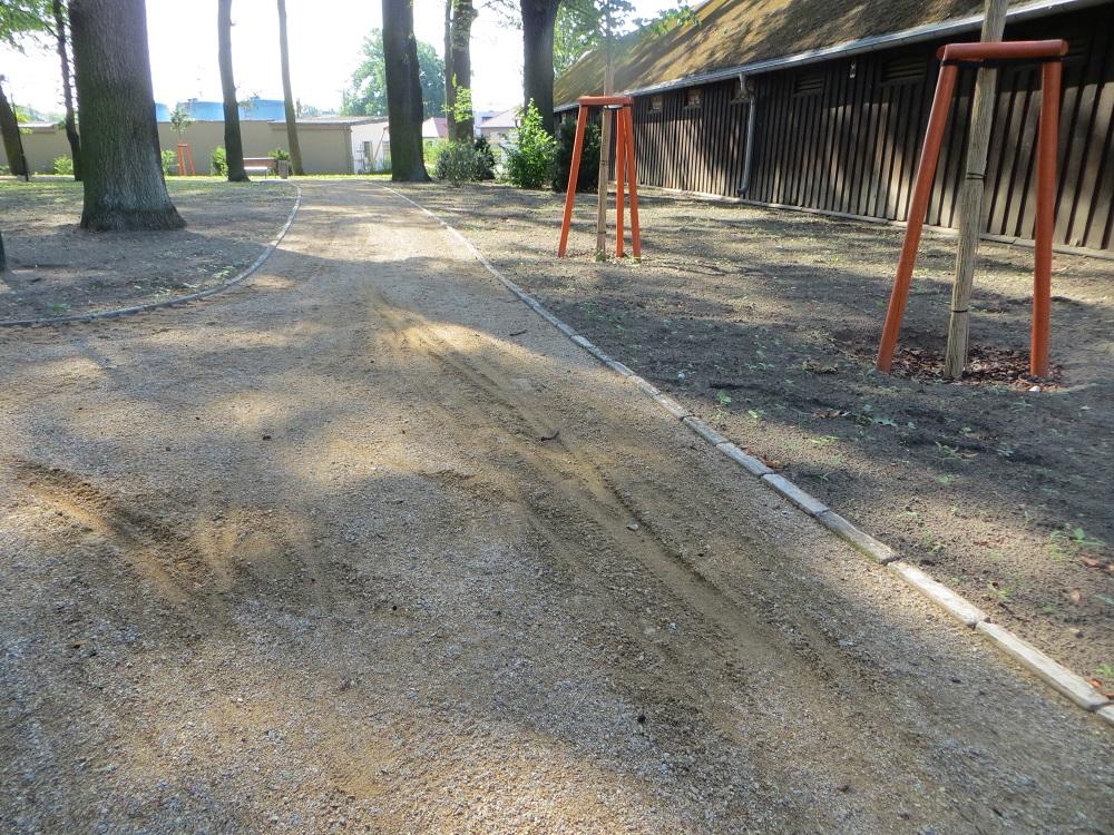 Die neu aufgetragene Oberfläche ist beschädigt.