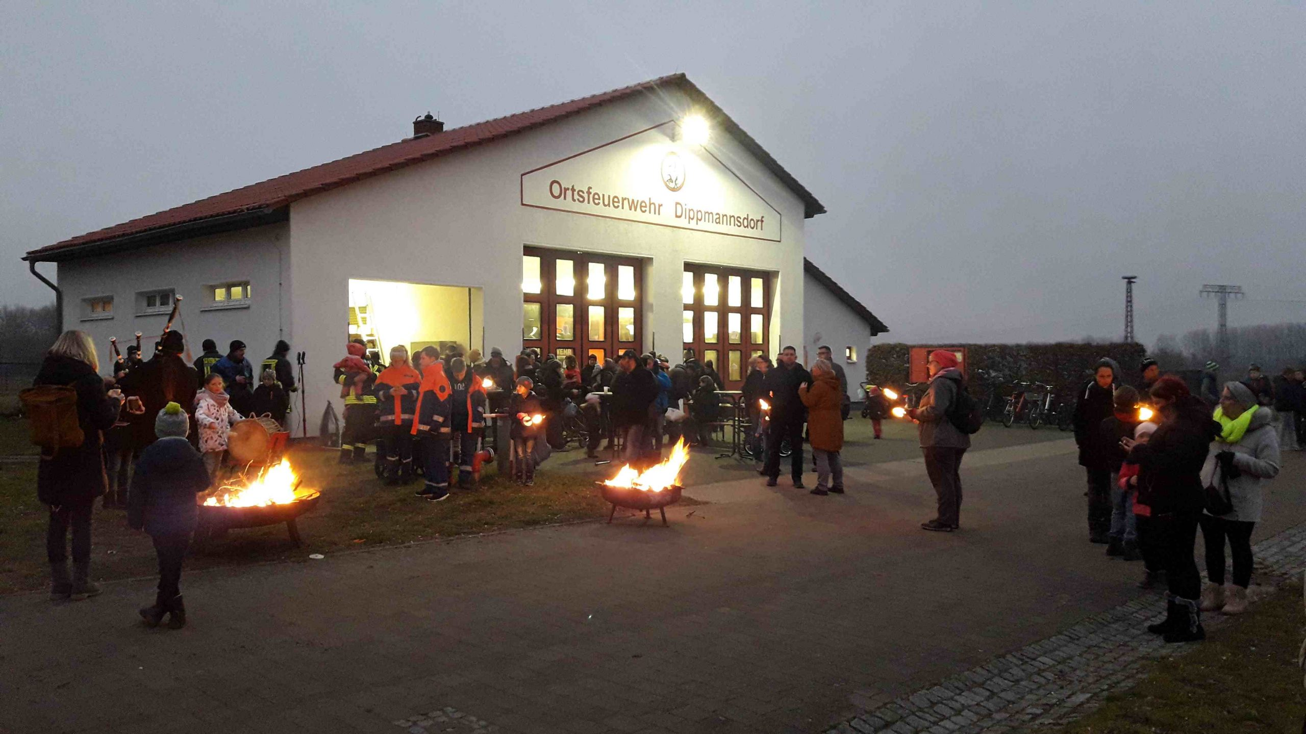 Dippmannsdorf, Feuerwehr Dippmannsdorf, Kleine Grundschule Dippmannsdorf