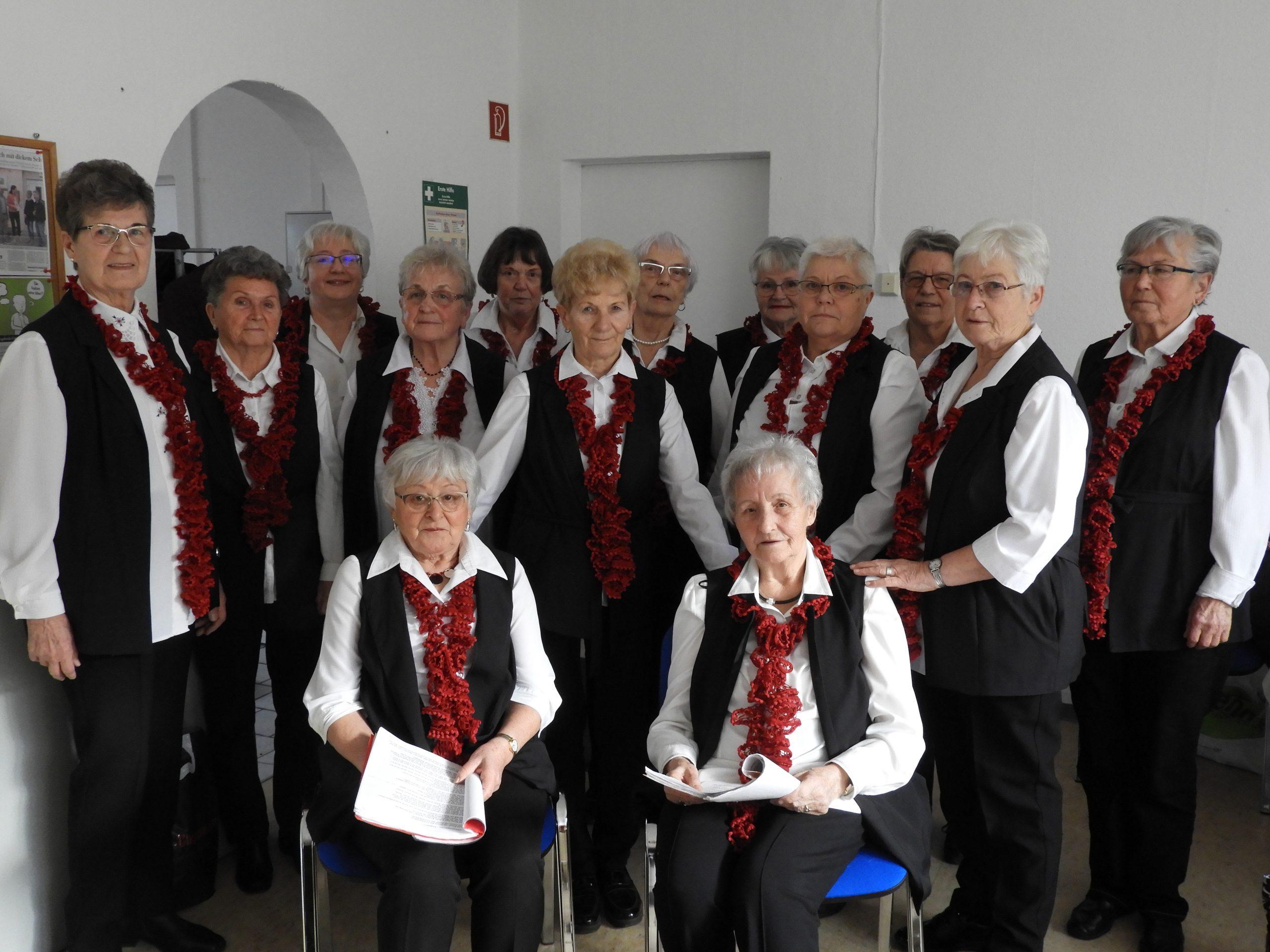 AWO-Chor mit Chorleiterin Hannelore Werner