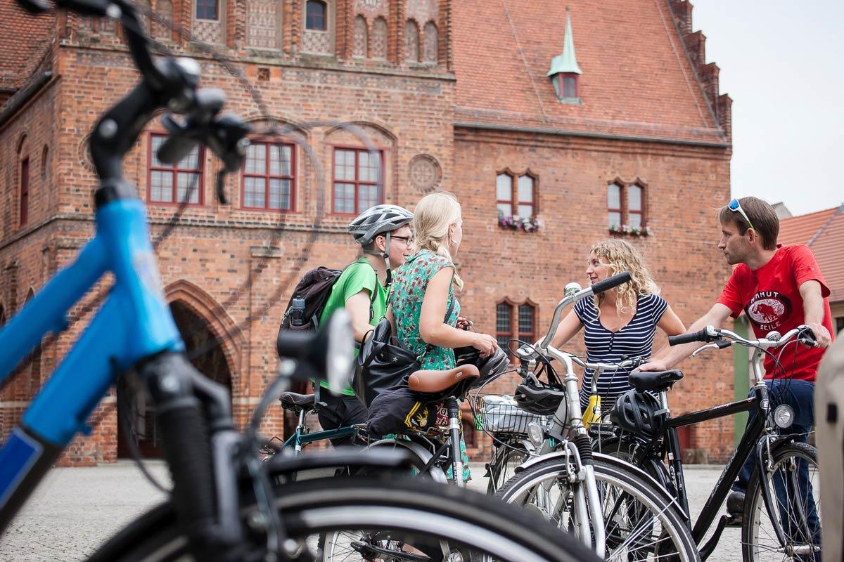 Radfahrer_innen-Jueterbog-und-Flaeming-Skate-(c)-Jedrzej-Marzecki-(1)