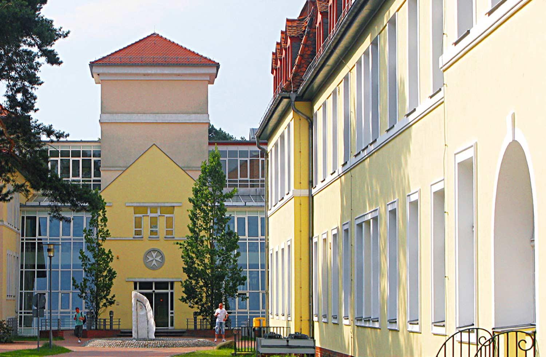 Haupteingang_Johanniter-Treuenbrietzen